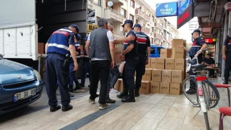 Düzce'de bin 500 şişe kaçak içki ele geçirdi