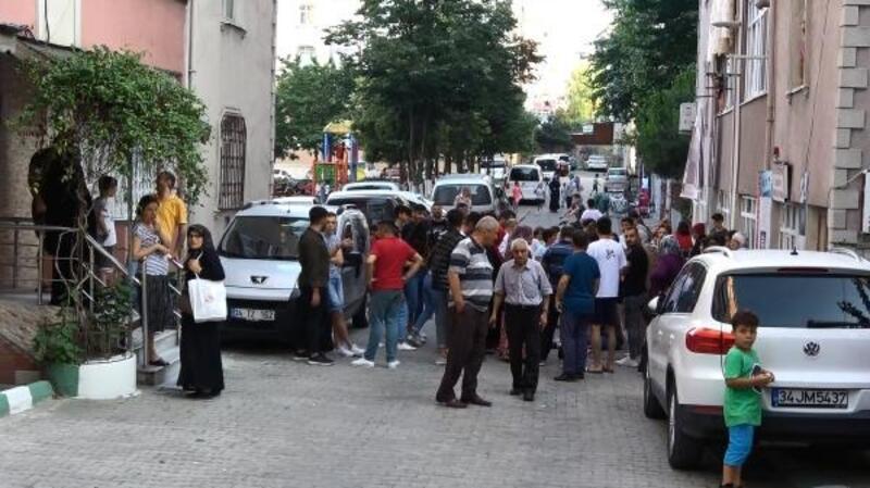 Sultangazi'de otomobilin çarptığı küçük kız: Annemi istiyorum