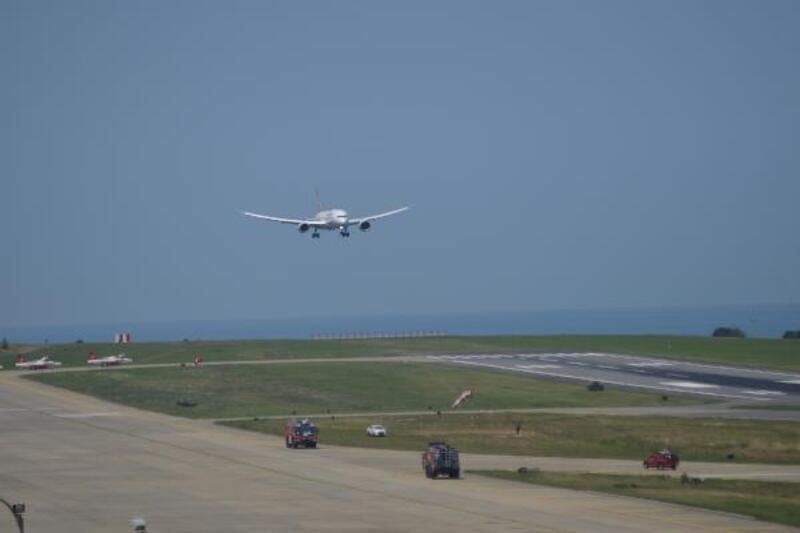 THY'nin 'Maçka' uçağı ilk seferini Trabzon'a yaptı
