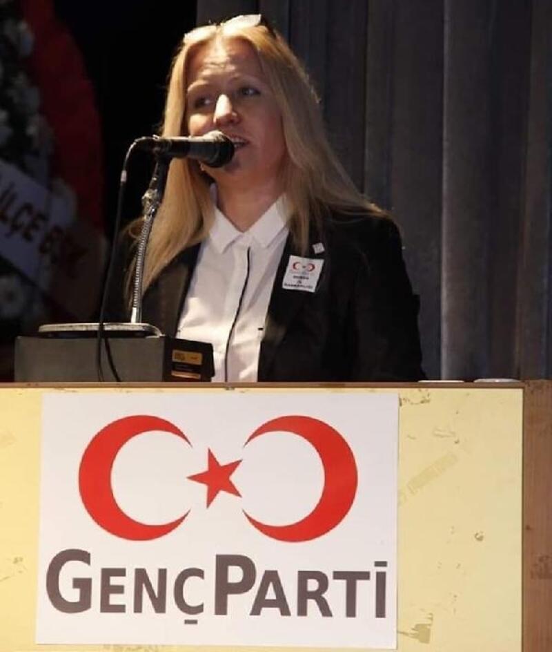 Bursa'da zincirleme kaza: Genç Parti İl Başkanı öldü, kızı ile 8 kişi yaralı