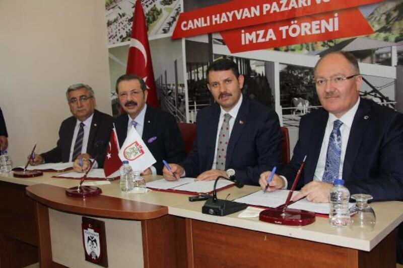 TOBB Başkanı Hisarcıklıoğlu Sivas'ta