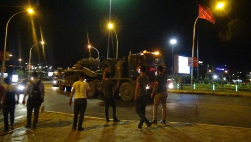Şanlıurfa'dan sınır birliklerine gece sevkiyatı