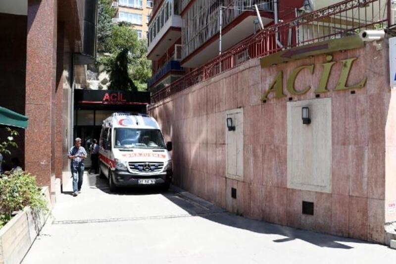 AK Parti'li Özkan, Eskişehir'de kaza geçirdi