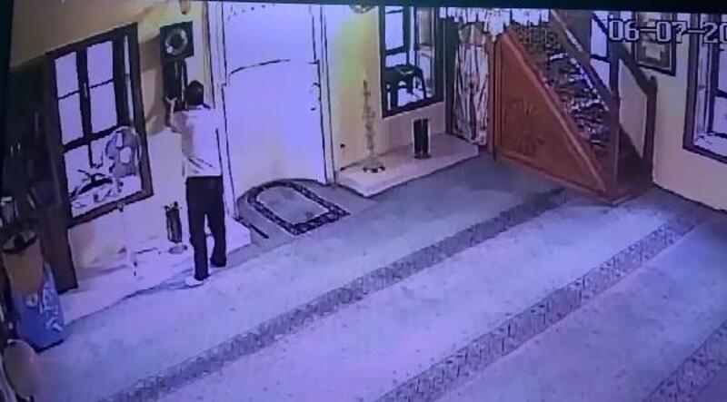 Camiden antika saati çalan hırsız, gözaltında