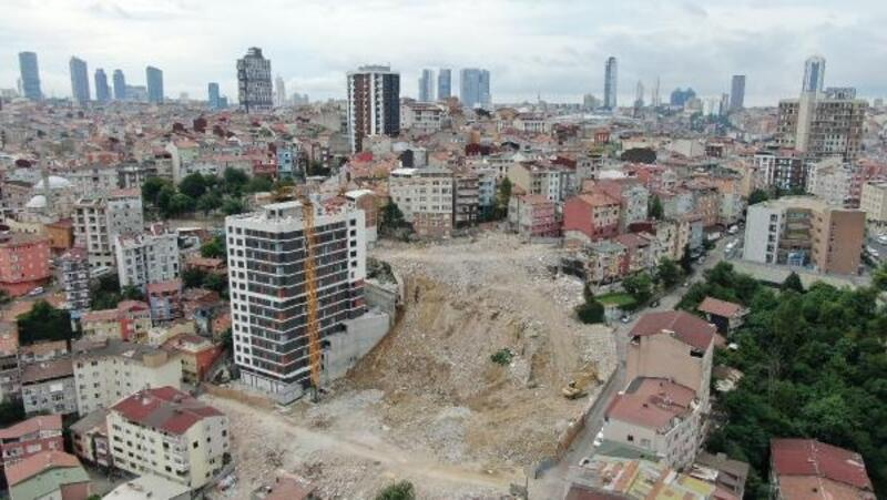 """Kağıthane'de """"riskli alan"""" ilan edilen bölge havadan görüntülendi"""