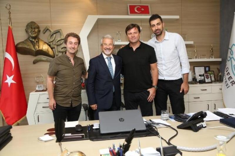 Şampiyonlardan Başkan Erdem'e ziyaret