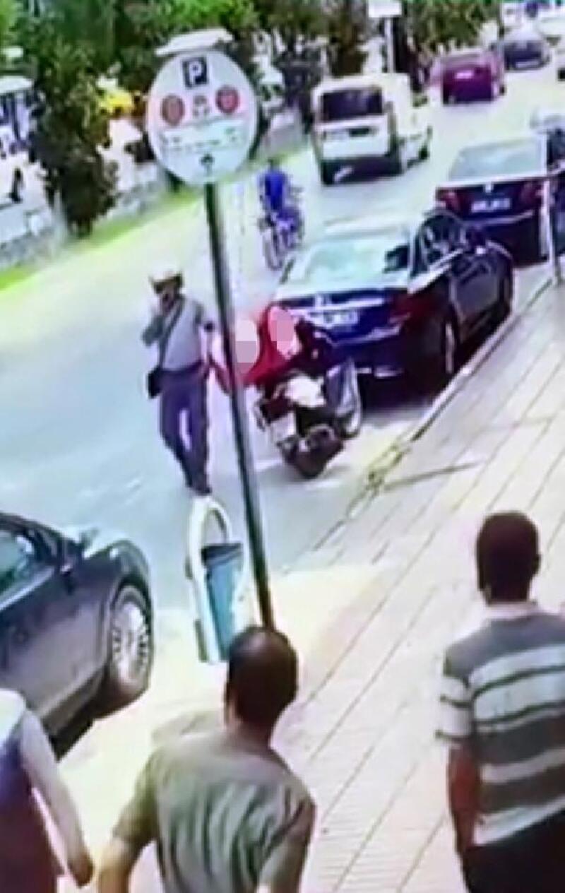 Kuryenin motosikletinden sipariş yemekleri çaldı