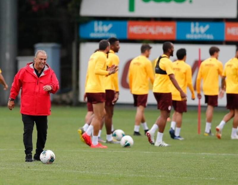 Galatasaray hazırlıklarını çift idmanla sürdürdü