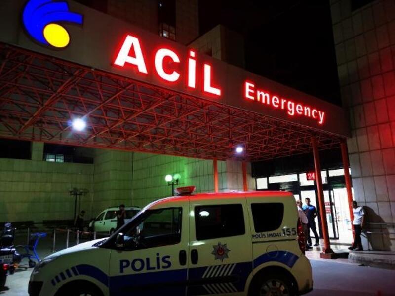 Malatya'da otomobil kamyonete çarptı: 2 polis yaralı