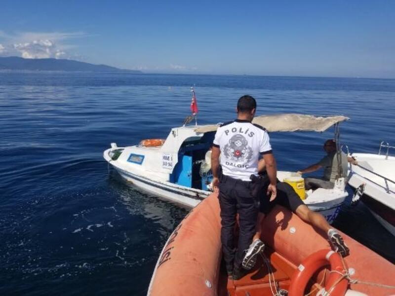 Batan teknedeki balıkçıyı deniz polisi kurtardı