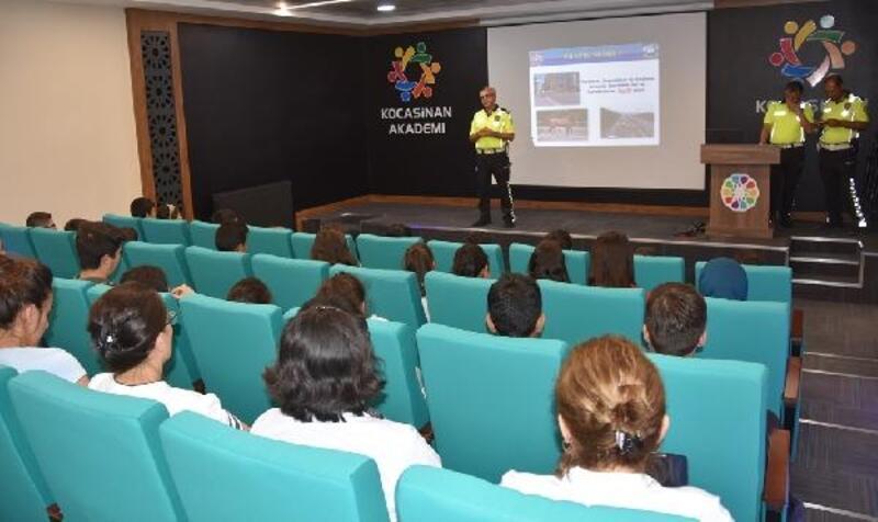 Kocasinan'da kursiyerlere trafik eğitimi verildi
