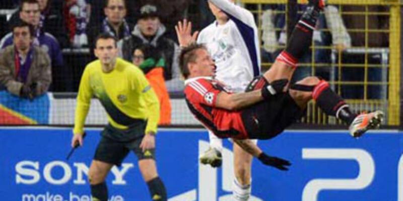 Mexes, İbrahimoviç'in golünün aynısını attı