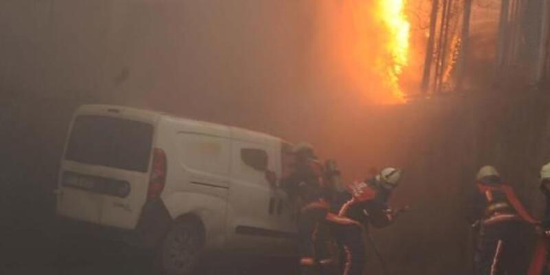 Trafo patladı İstiklal'de elektrik kesildi