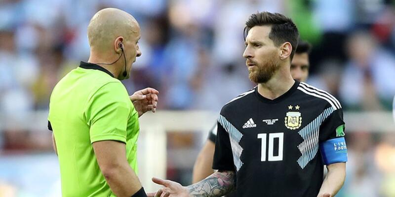 İzlanda-Türkiye maçının hakemi açıklandı