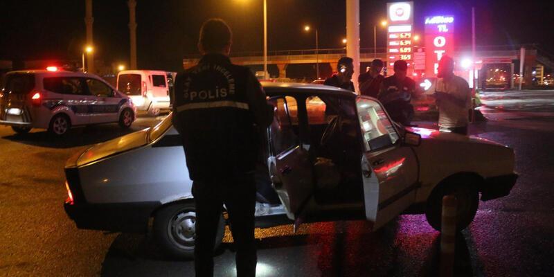 Silahlı saldırı şüphelisinin otomobilinde cephanelik ele geçirildi