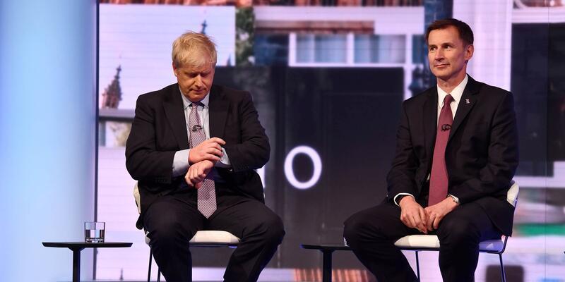 İngiltere'de başbakanlık arayışında Boris Johnson'ın liderliği sürüyor