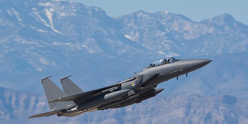 Son dakika... Katar'da iki askeri eğitim uçağı çarpıştı
