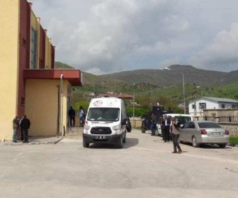 Hazro'da aileler arasında silahlı kavga: 2 ölü