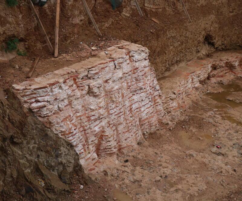 Kadıköy'de inşaat kazısında Roma dönemine ait kalıntılar çıktı